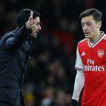 Arteta hãy xin lỗi Ozil và đưa trở lại đội hình Arsenal