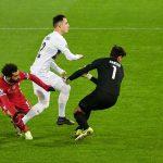Salah lập công, Liverpool đánh rơi chiến thắng