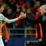 "Mourinho ra tay, Tottenham ""bắt cóc"" Lindelof"
