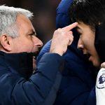 Mourinho mỉa mai: 'Tôi hết thời nhưng giành 3 chức vô địch'