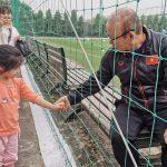 Tuyển Việt Nam xả trại, thầy Park có hành động đặc biệt