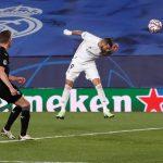 Kết quả Real Madrid vs Gladbach: Benzema đưa Kền kền vào vòng 1/8