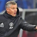 MU phản ứng Solskjaer, Wenger cản PSG mua Messi