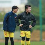 """Quang Hải """"ngang cơ"""" Ronaldo, thầy Park đóng cửa tuyển Việt Nam"""