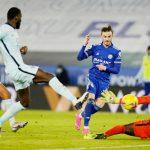 Đánh gục Chelsea, Leicester vượt MU leo lên đầu bảng