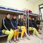 Bất ngờ với sự 'đổi đời' của những cầu thủ nữ đi làm công nhân