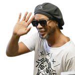 Ronadinho kiếm bộn tiền sau khi ra tù