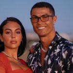 Ronaldo bị bạn gái 'cấm' thay bóng đèn trong nhà, lý do phát hờn