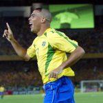 Ronaldo bất ngờ xin lỗi các bà mẹ vì kiểu tóc 'thằng Bờm'