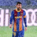 Messi rét run cầm cập, phải thay áo giữa chừng ở trận El Clasico