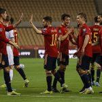 """Thắng trận """"3 sao"""", Tây Ban Nha chiếm ngôi đầu bảng"""