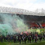 CĐV làm loạn Old Trafford, đại chiến MU vs Liverpool bị hoãn