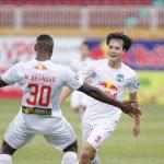 Vòng 11 V-League: HAGL đứt mạch thắng, Lee Nguyễn toả sáng