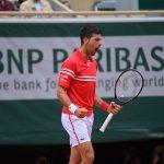 Djokovic lấy vé vòng 4 dễ như đi dạo