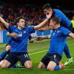 Kết quả Italia 2-1 Áo: Vé tứ kết siêu kịch tính | EURO 2021