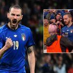 Mừng Italy chiến thắng, Bonucci bị an ninh hỏi thăm
