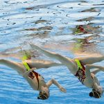 Xem các nữ VĐV xinh đẹp 'khiêu vũ' dưới nước tại Olympic Tokyo