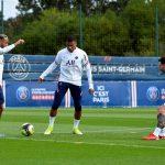 Mbappe tươi rói, Messi sẵn sàng cho ngày lịch sử