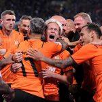 Xác định 6 CLB cuối cùng giành vé dự Champions League