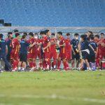 Tuyển thủ Việt Nam không về nhà, luyện công chờ đấu Trung Quốc